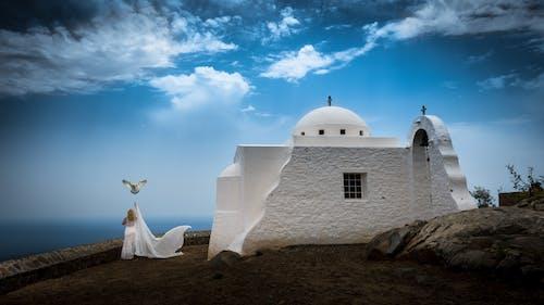 Fotobanka sbezplatnými fotkami na tému architektúra, biela, denné svetlo, kostol