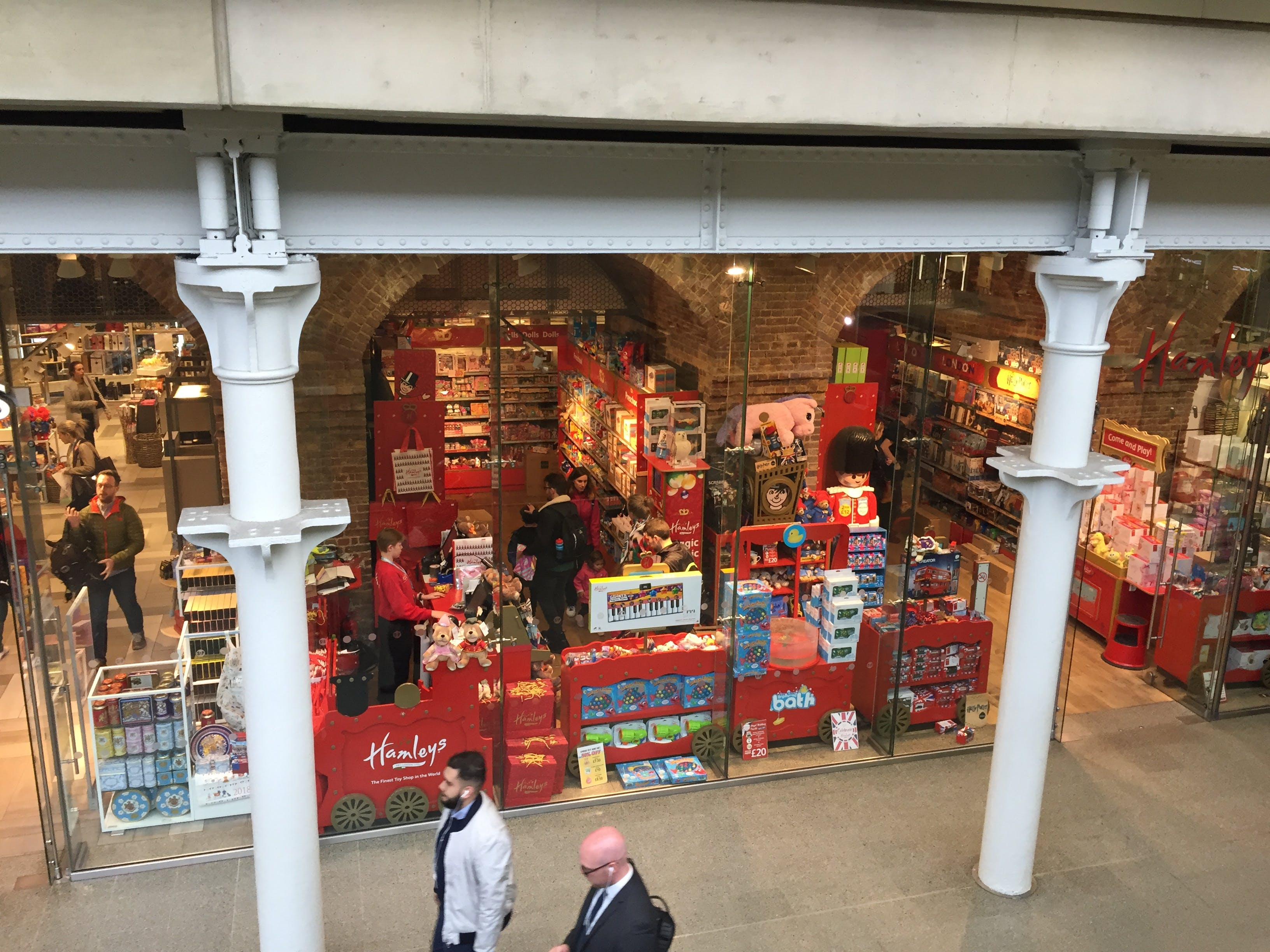 Free stock photo of Eurostar, hamleys, shops, St Pancras International Station