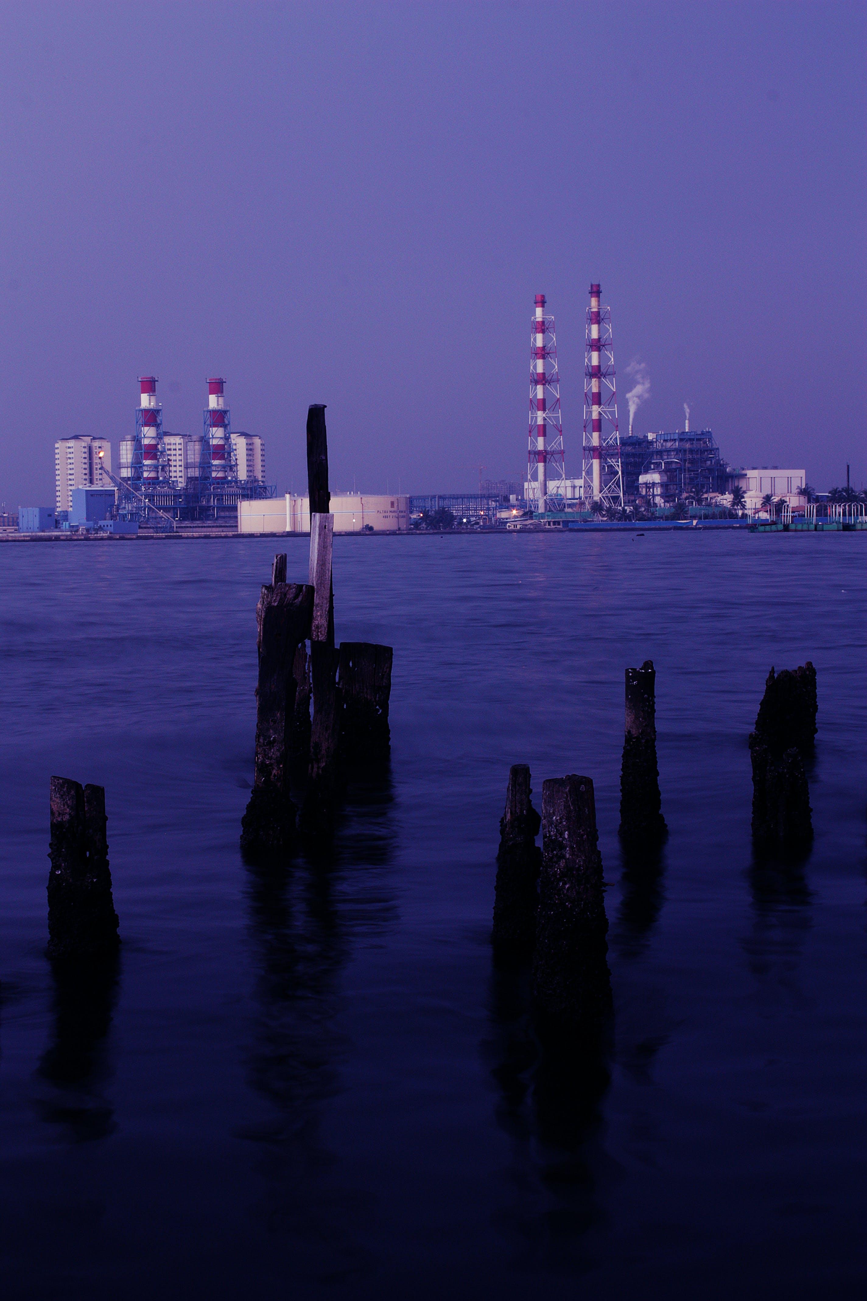 Gratis lagerfoto af blå, fabrik, hav, himmel