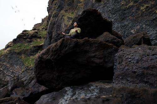 Безкоштовне стокове фото на тему «виклик, відпочинок, вода, гора»