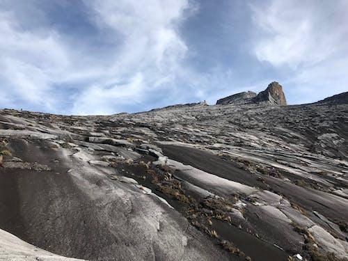 Foto profissional grátis de caminhadas na montanha, kota kinabalu, montanha, natureza