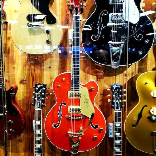 Immagine gratuita di chitarra, chitarra elettrica, chitarra vintage, chitarre elettriche