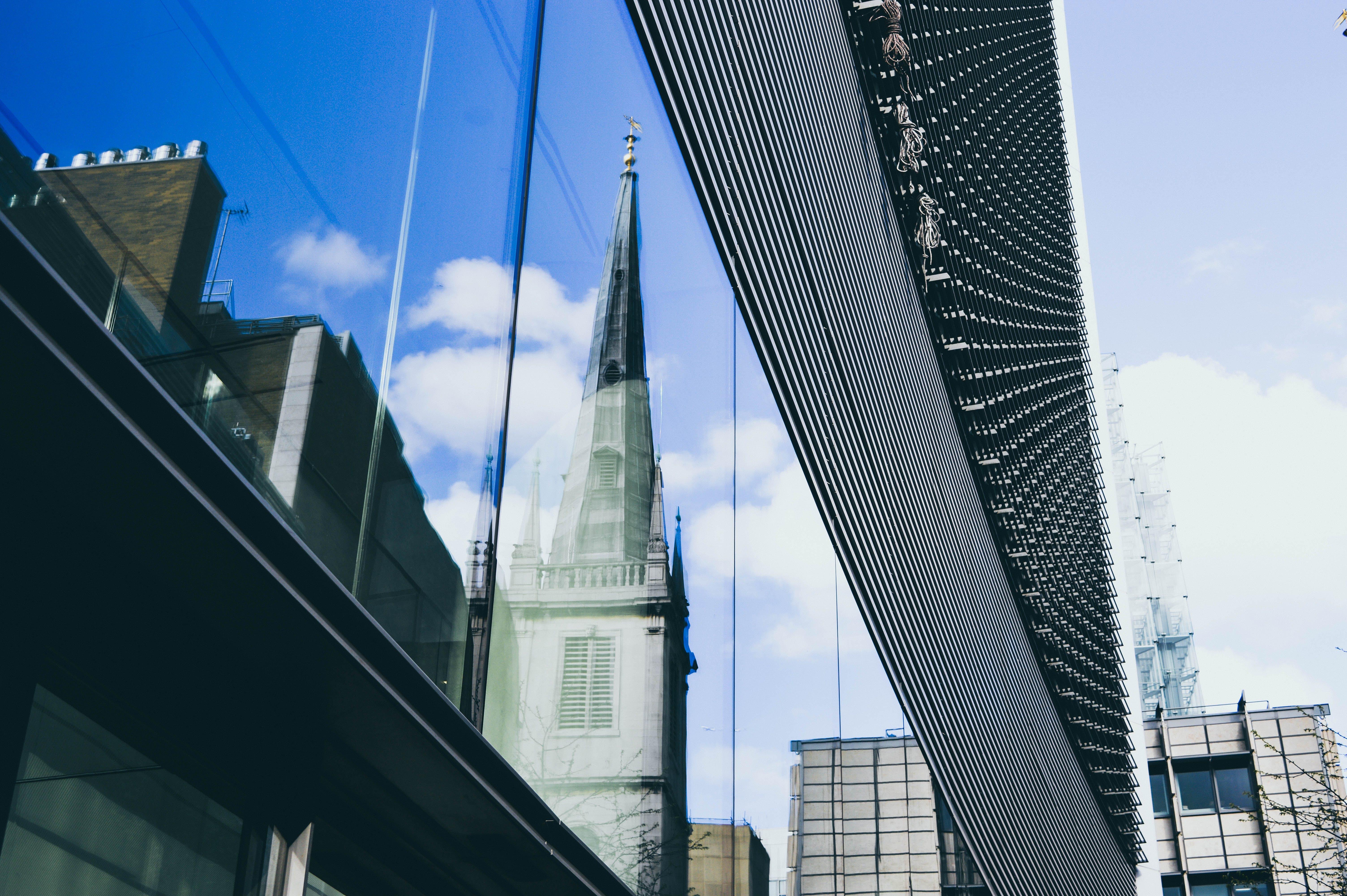 Gratis stockfoto met architectuur, binnenstad, bouw, brug