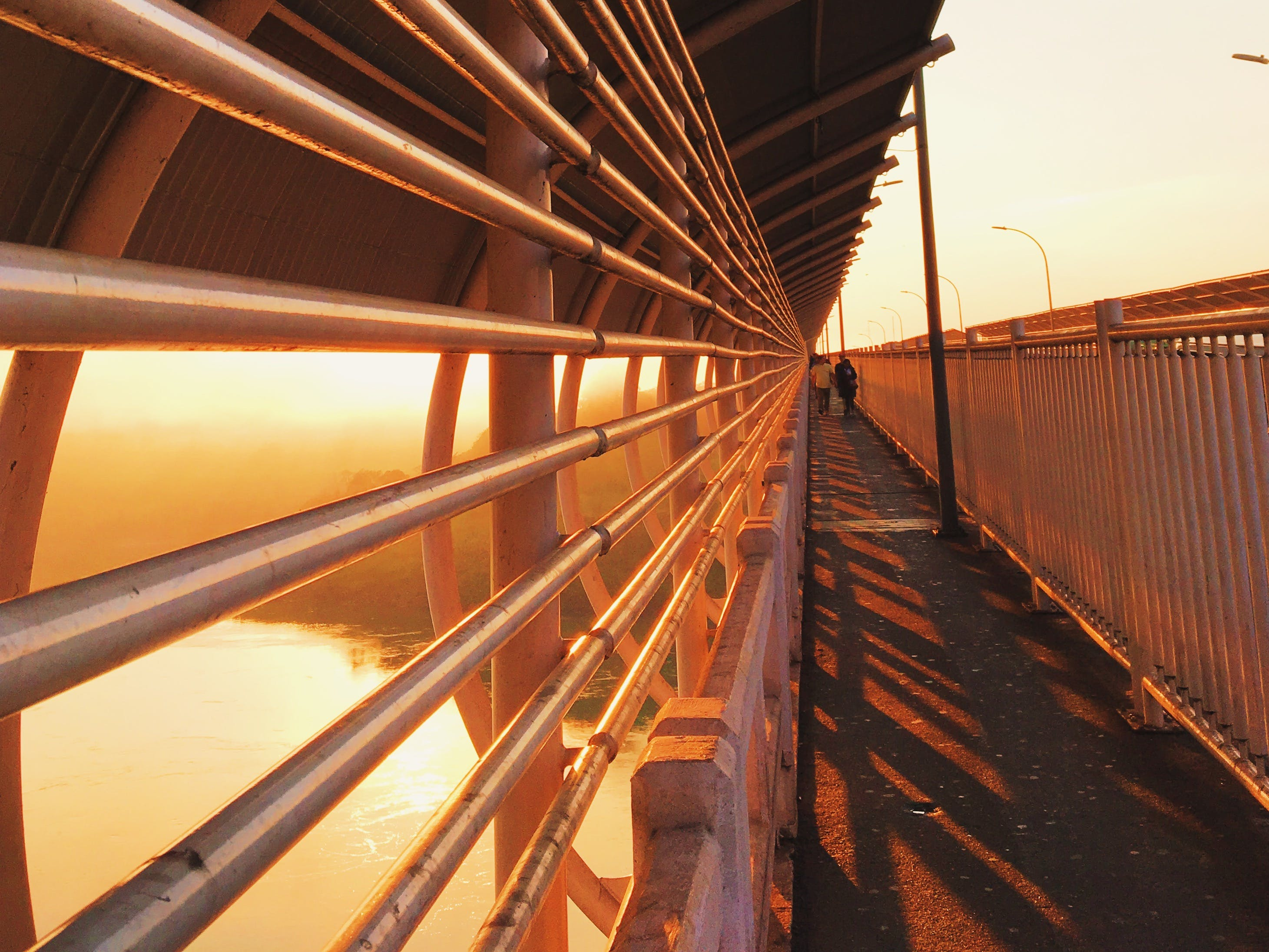 Free stock photo of people, perspective, ponte, sol