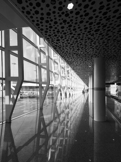 Fotobanka sbezplatnými fotkami na tému architektúra, budova, čierny abiely, odlesk