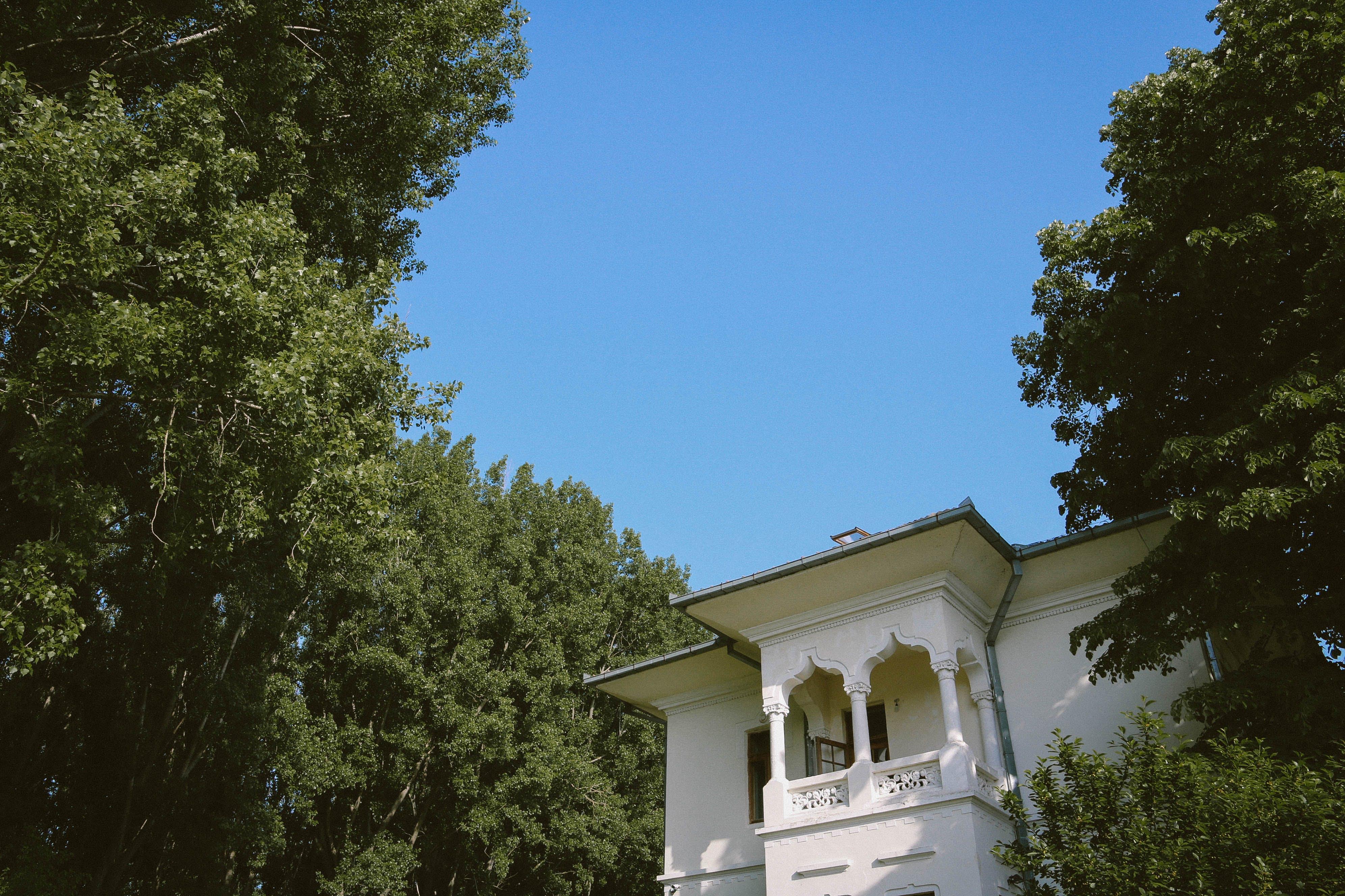 Free stock photo of architecture, balcony, blue sky, houses