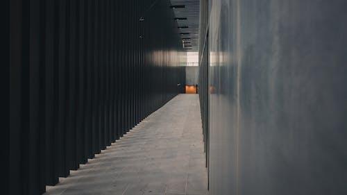 Fotos de stock gratuitas de arquitectura, calle, ciudad, corredor