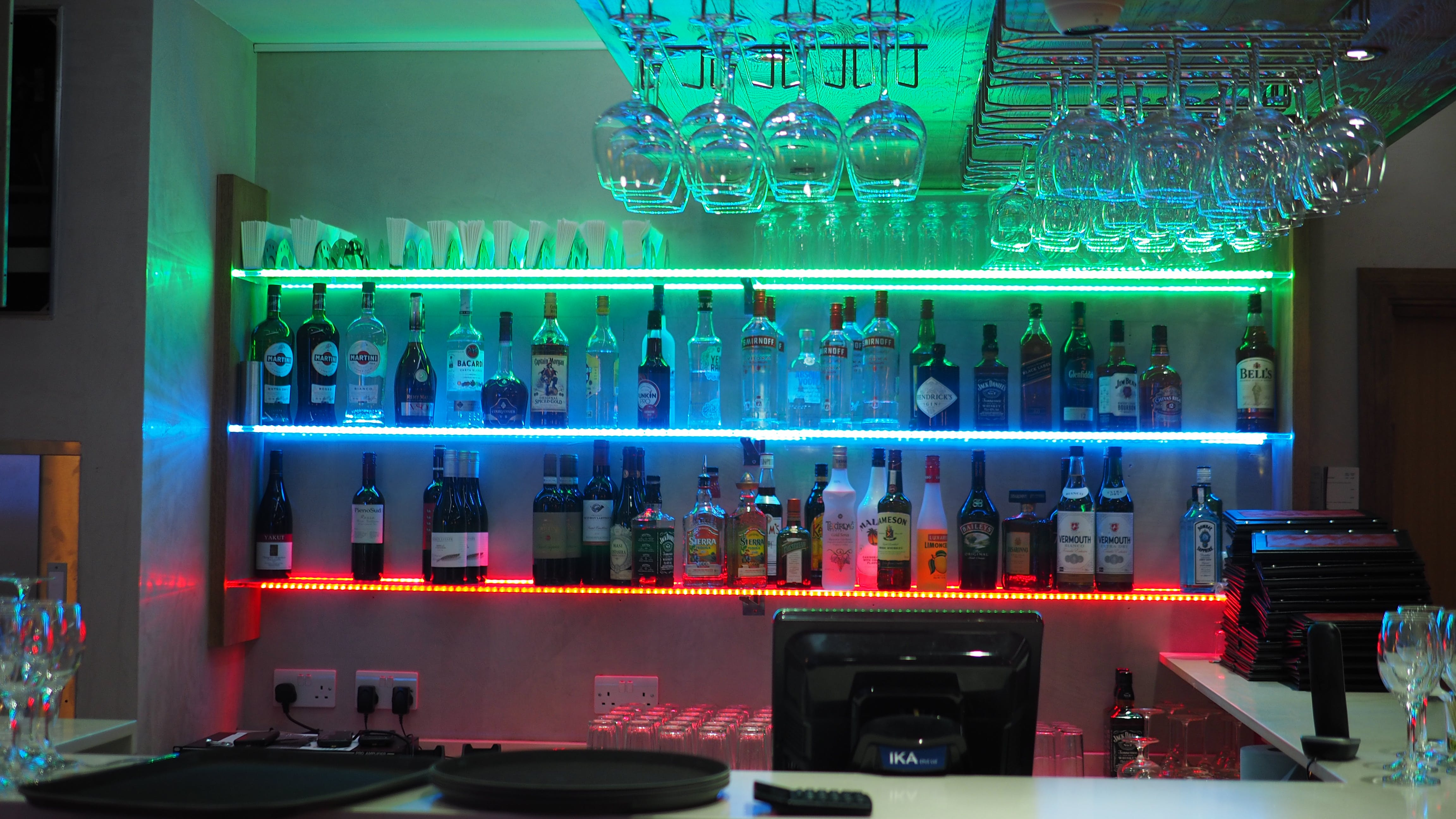 Free stock photo of alcohol, drinks, drinks at the bar, lit bar