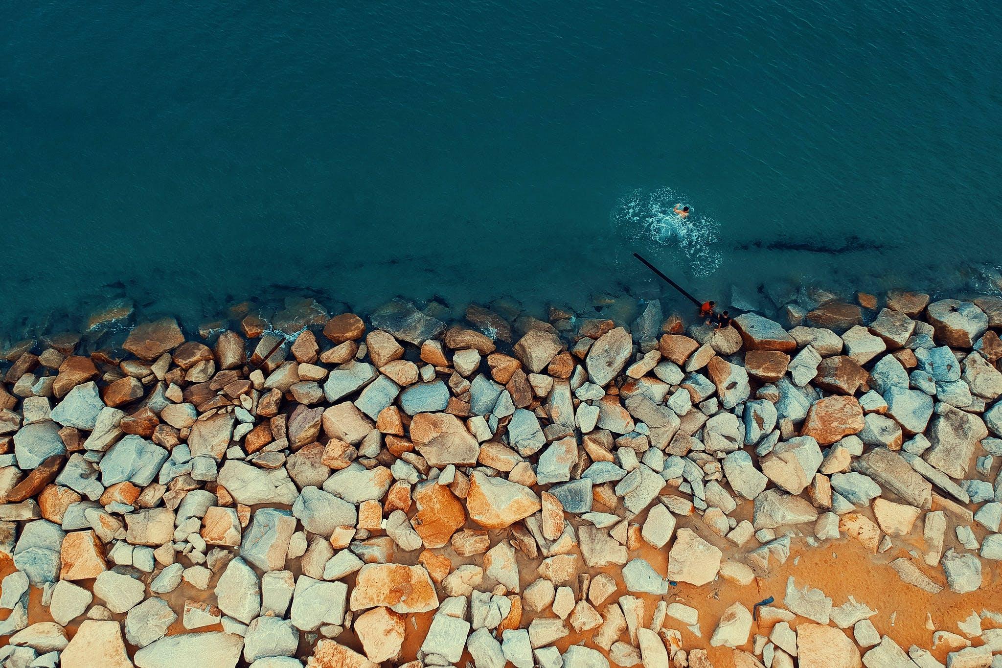 Gratis arkivbilde med bølger, dagslys, farge, flyfoto