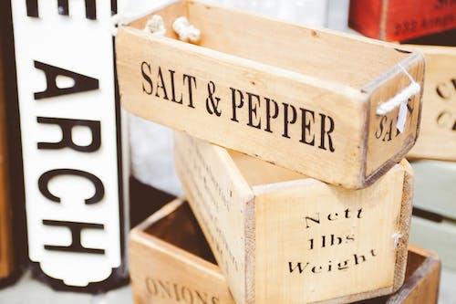 Kostnadsfri bild av behållare, peppar, salt-