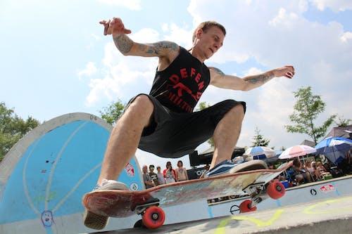 Gratis lagerfoto af faldende, handling, person, skateboard