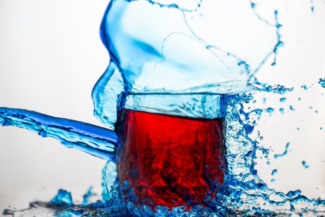 Vaso De Vidrio Transparente Azul Salpicado De Agua