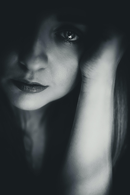 Základová fotografie zdarma na téma atraktivní, černobílá, dospělý, elegantní