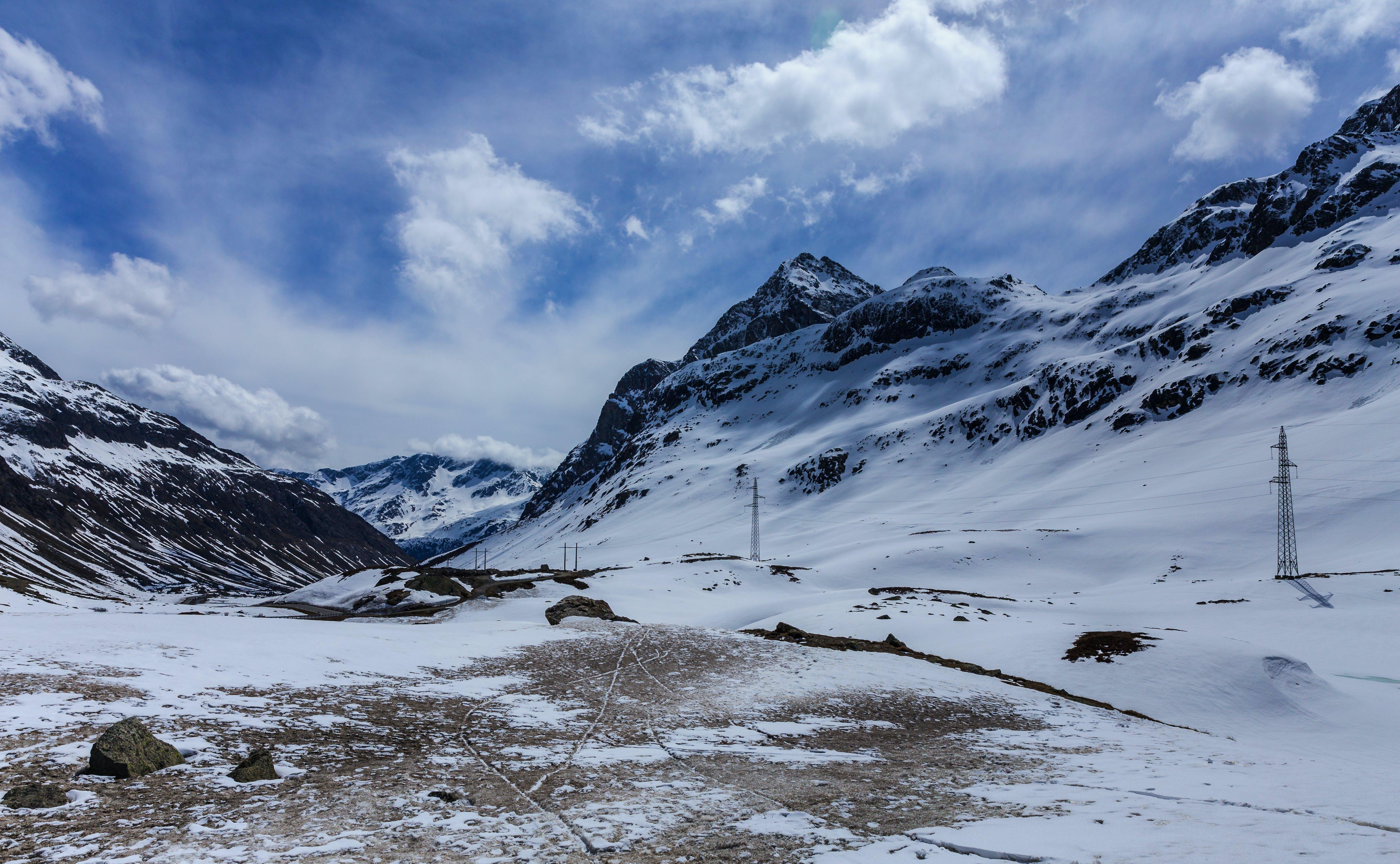 Foto profissional grátis de cênico, céu azul, com frio, inverno