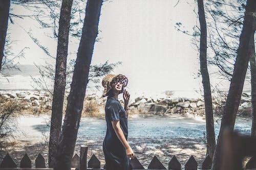 Kostenloses Stock Foto zu asiatin, asiatische frau, bäume, fashion
