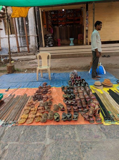 Fotos de stock gratuitas de anticuado, calle, esquina, mercado
