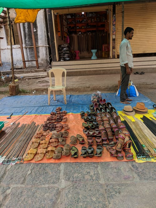 Kostnadsfri bild av gammaldags, gata, gathörn, gatumarknad