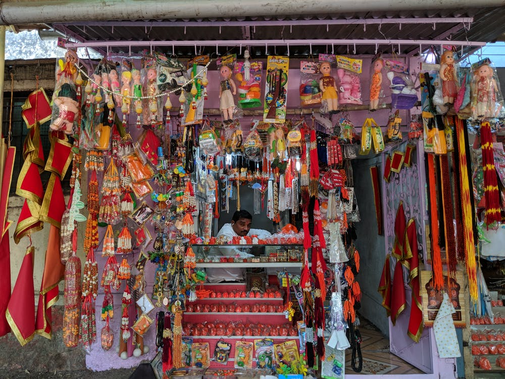 gifts, street market