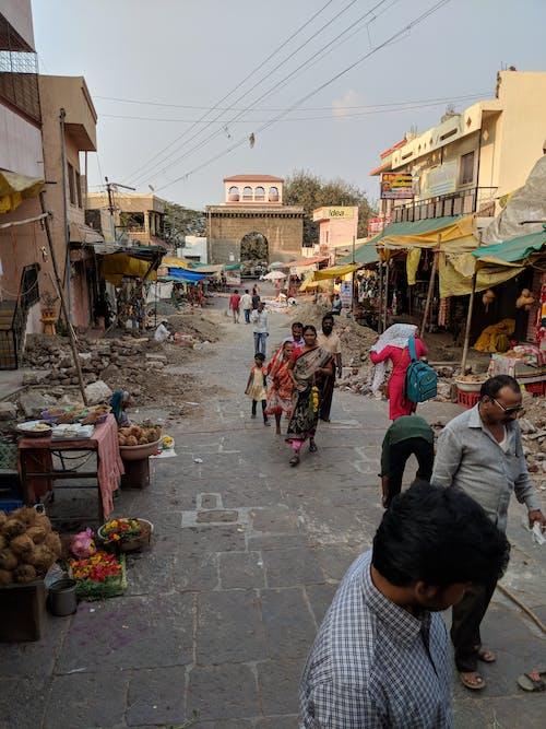 Fotos de stock gratuitas de caminando, gente, mercado, mercado callejero