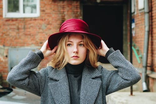 Kostenloses Stock Foto zu blond, dame, fashion, fokus