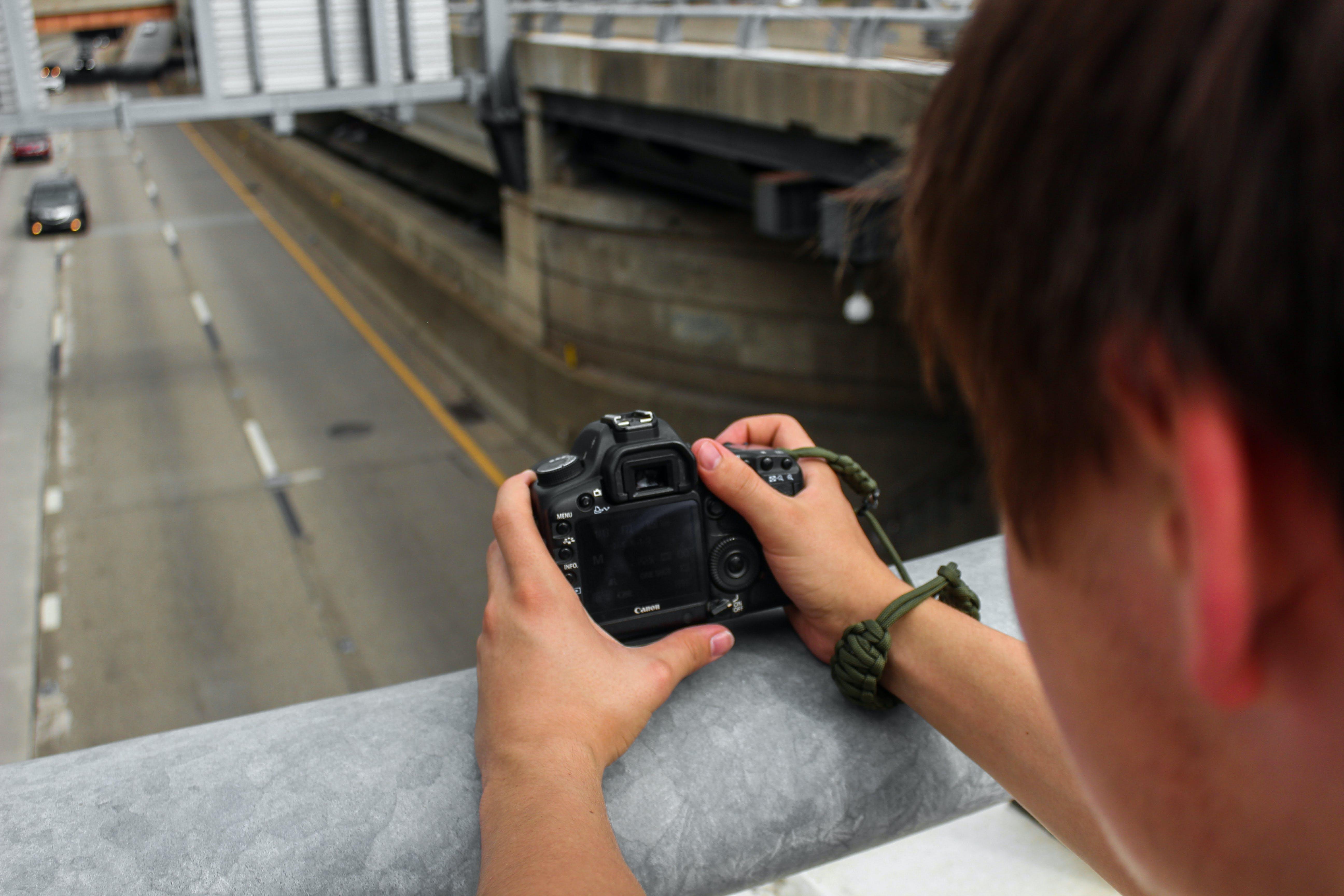 Immagine gratuita di auto, autostrada, canon, fotocamera