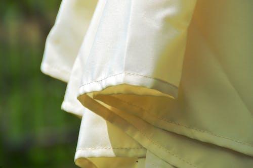Fotos de stock gratuitas de beige, blanco, paño, sombrilla