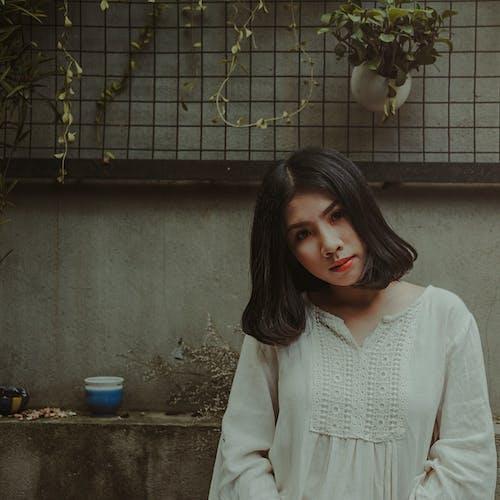 Foto d'estoc gratuïta de asiàtica, atractiu, bonic, buscant