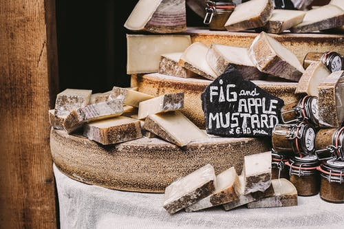 Darmowe zdjęcie z galerii z jedzenie, pokrojony, rynek, ser