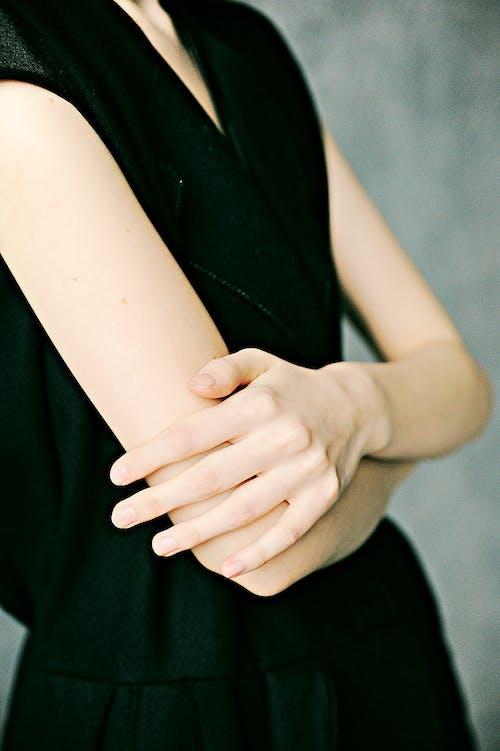 Gratis arkivbilde med arm, berøring, bruke, fingre