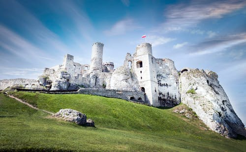 Fotos de stock gratuitas de arquitectura, castillo, césped, colina