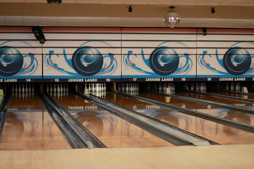 Free stock photo of bolling alley, bowling, pins