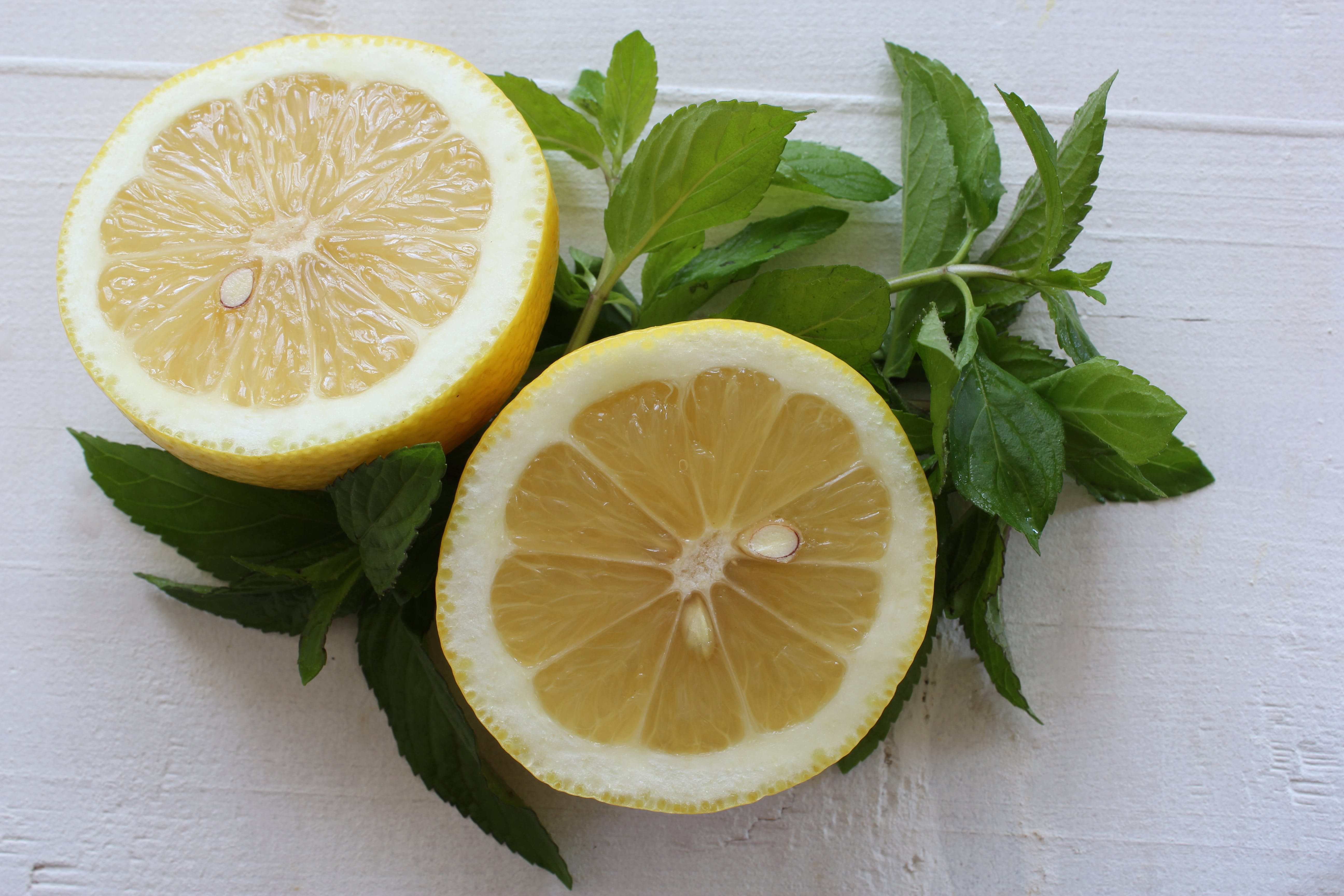 Free stock photo of citrus fruit, cut, fresh, fresh mint