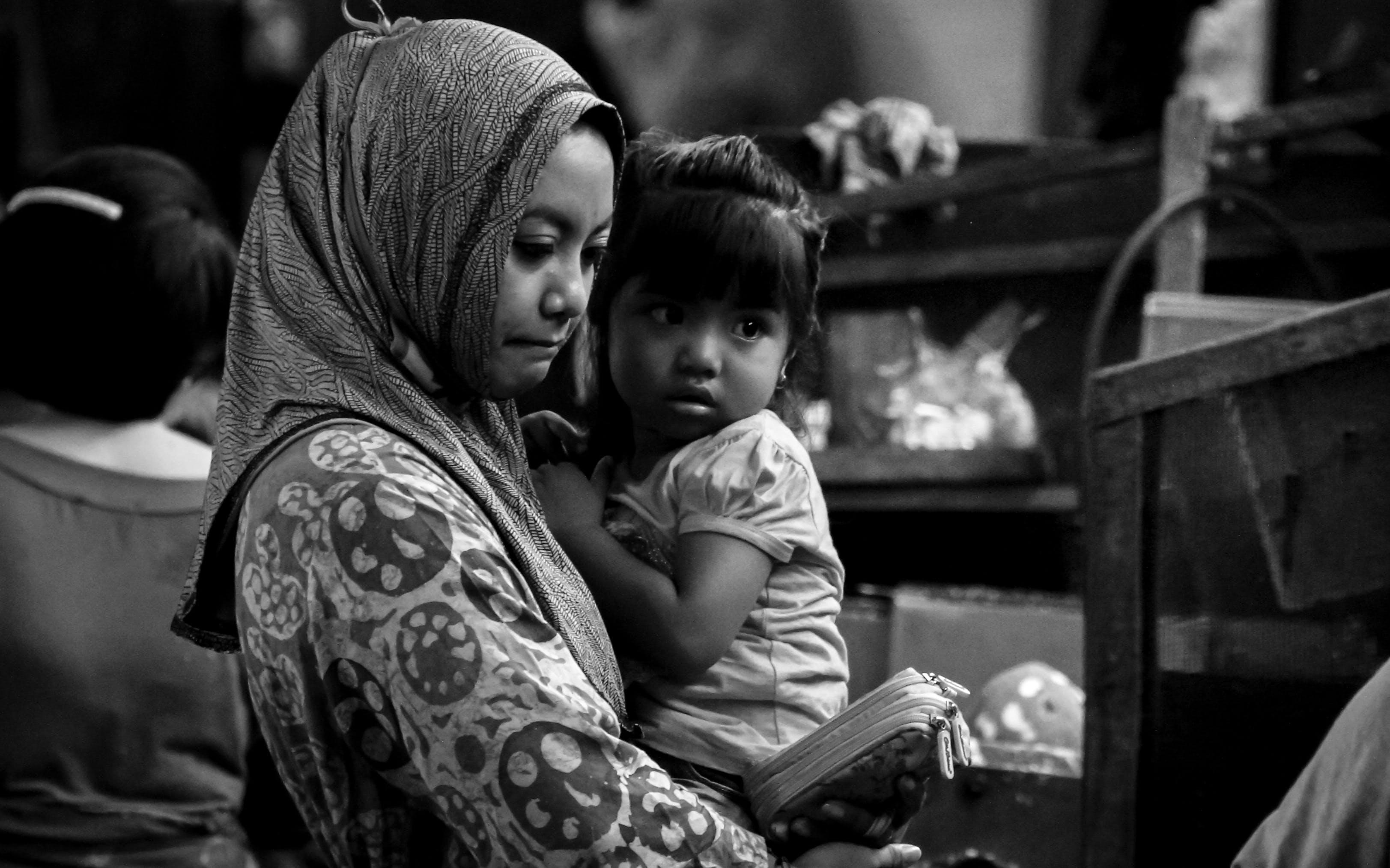Free stock photo of buying, daughter, mom, street market