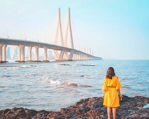 Безкоштовне стокове фото на тему «інфраструктура, берег моря, будівля, вода»