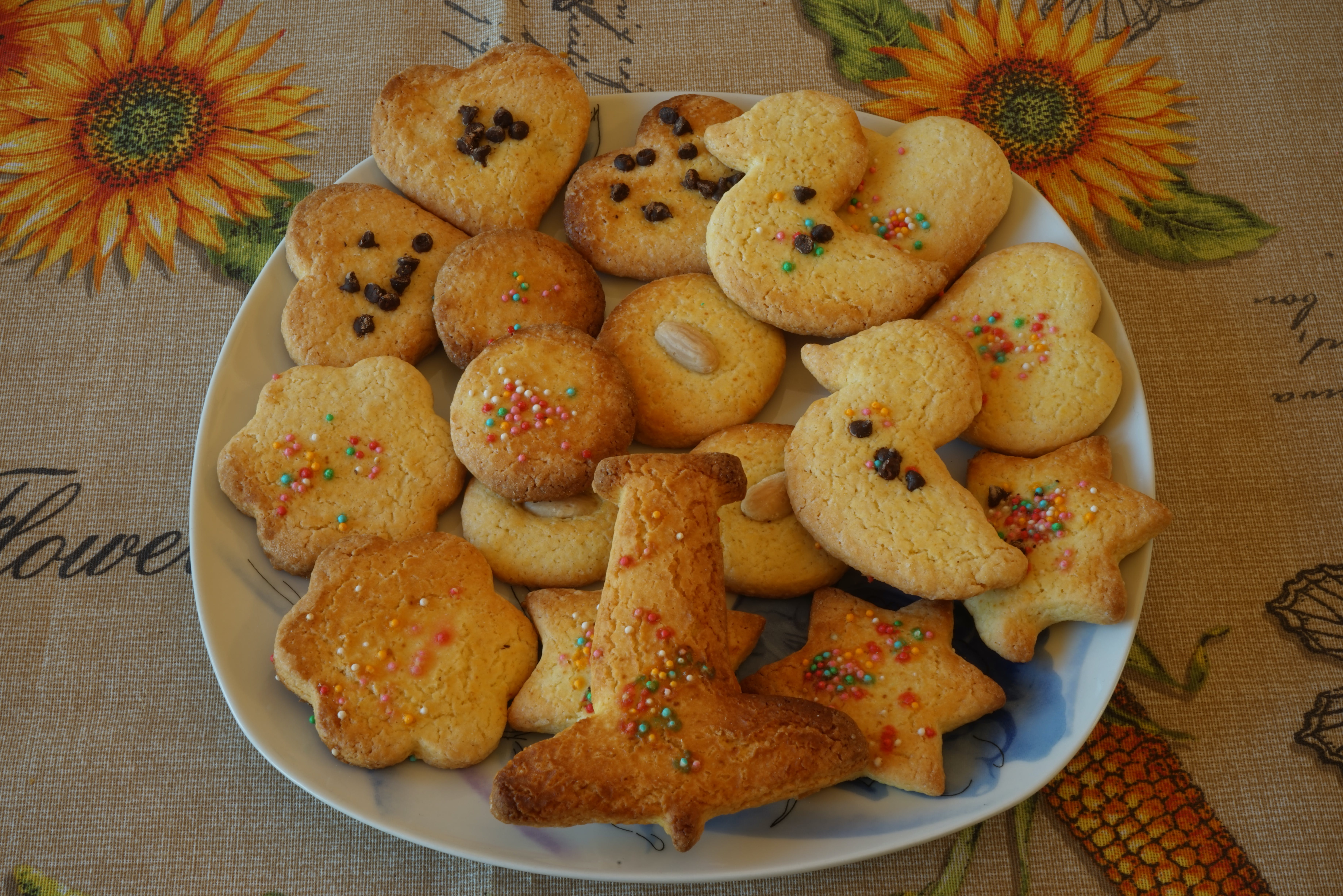 Free stock photo of biscuits, homemade, simple butter biscuits, simple homemade biscuits
