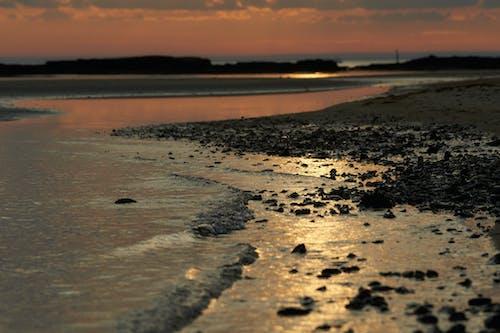Ilmainen kuvapankkikuva tunnisteilla auringonlasku, hiekkaranta, kivet