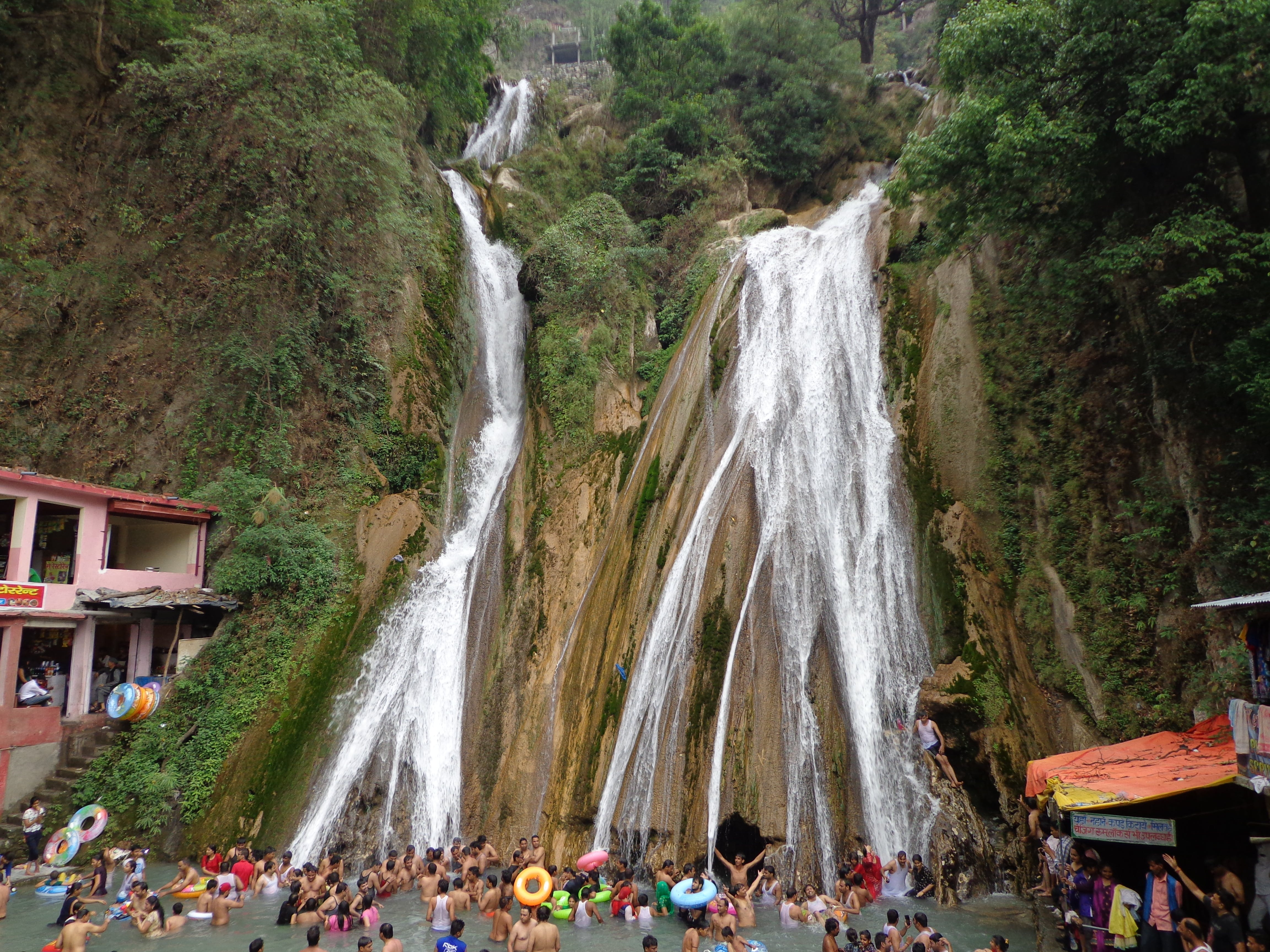 Indien, kempty falls, mussoorie
