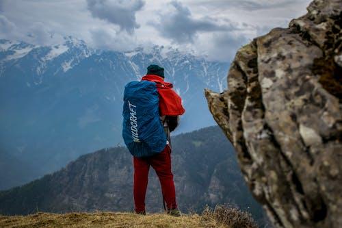 Foto profissional grátis de alpinista, alto, aventura, caminhar