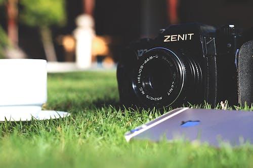 Ilmainen kuvapankkikuva tunnisteilla älypuhelin, asusteet, jauhettu, kamera