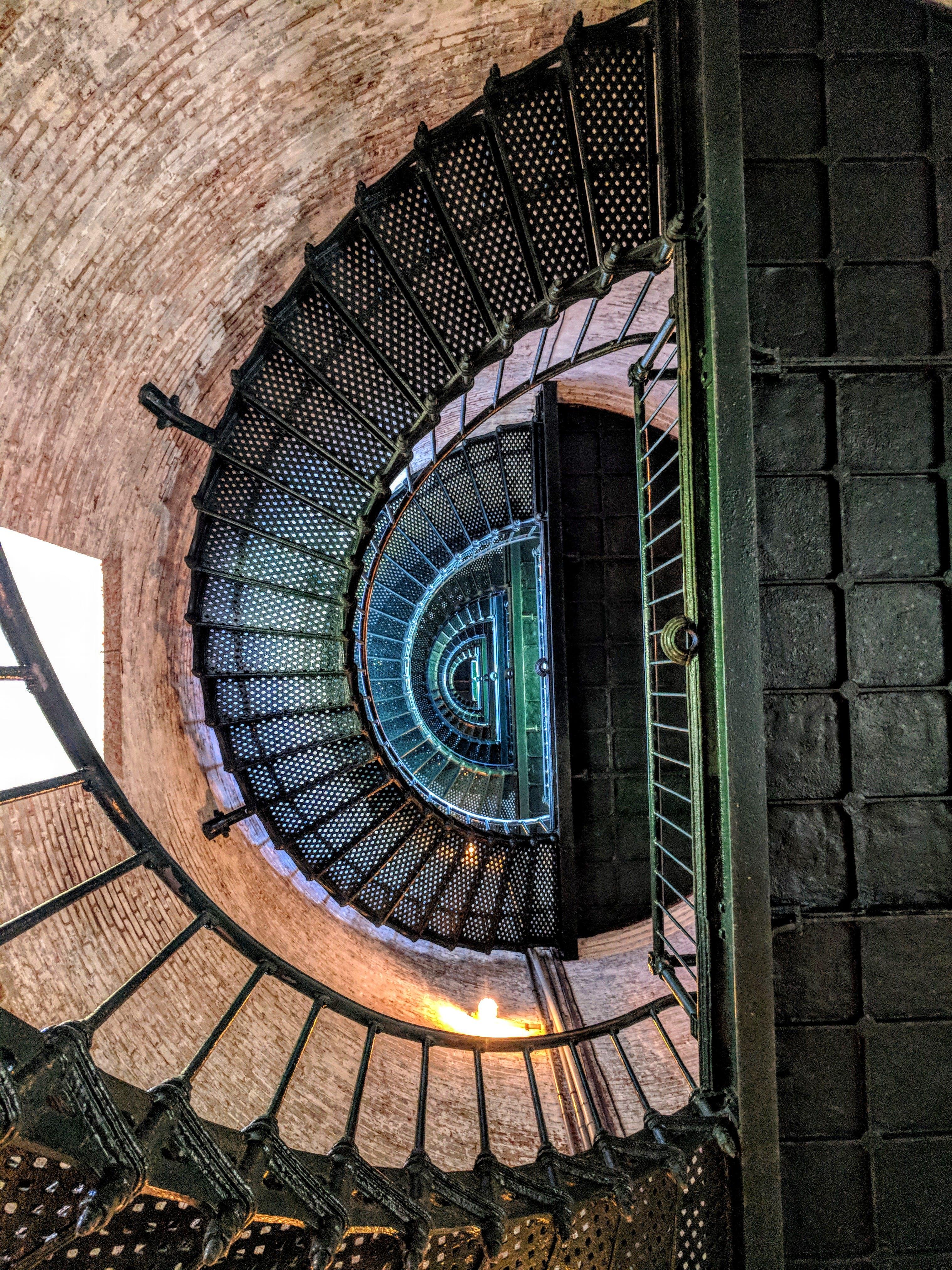 Безкоштовне стокове фото на тему «Будівля, дизайн, залізо, крок»