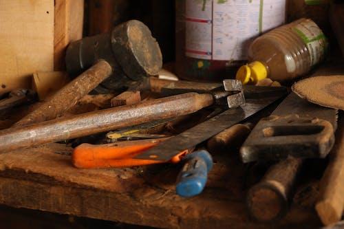 Kostnadsfri bild av snidat trä, trä, verktyg