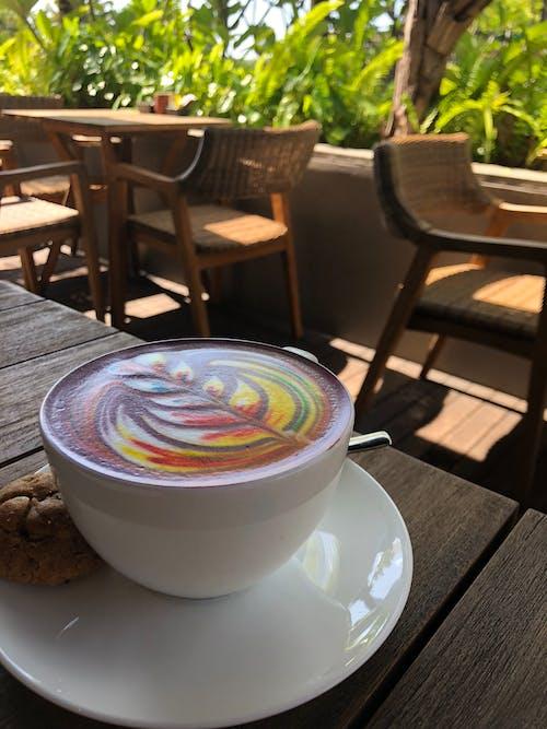 Бесплатное стоковое фото с капучино, кофе, кофеин, кружка