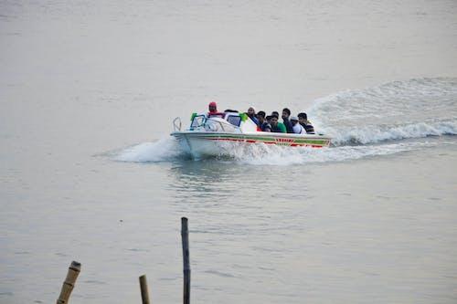 Foto d'estoc gratuïta de aigua, estil de vida, gent, tauler de velocitat