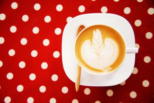 Foto profissional grátis de café, cappuccino, retrô
