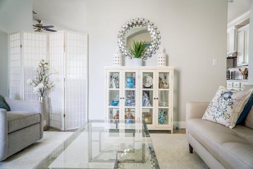 Gratis stockfoto met bank, binnen, binnenshuis, binnenshuis interieur