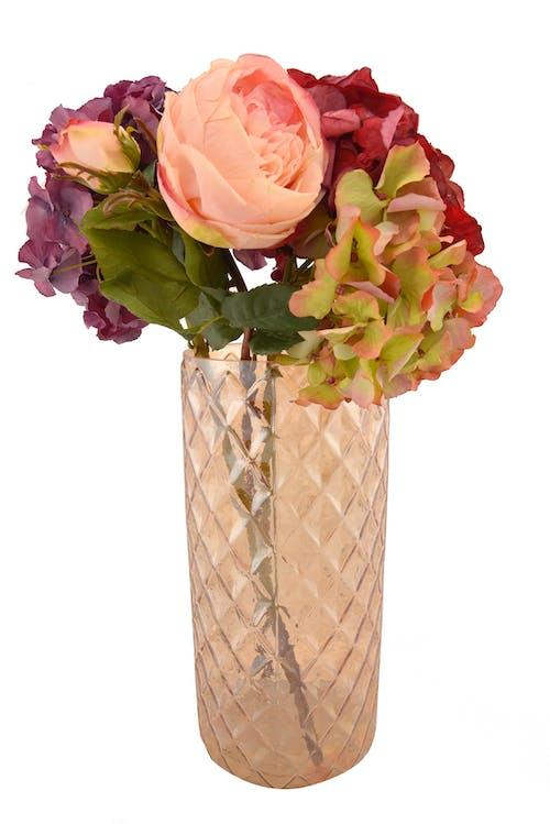 Безкоштовне стокове фото на тему «ваза, ваза з троянди, домашній декор, квіткова ваза»