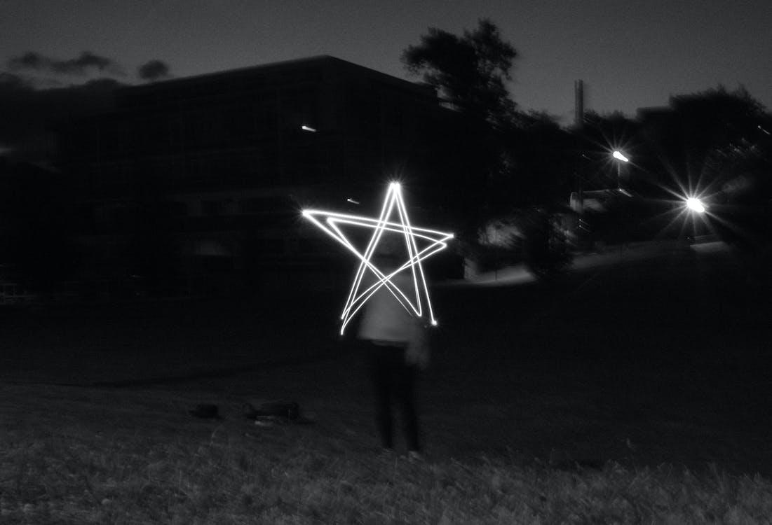 Darmowe zdjęcie z galerii z czarno-biały, farba, gwiazda