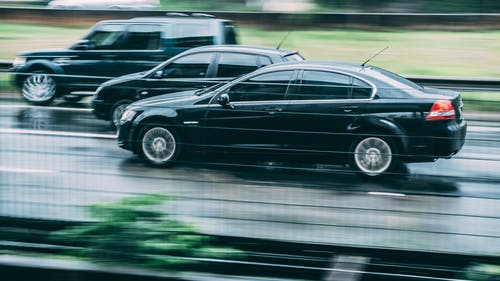 Fotobanka sbezplatnými fotkami na tému akcia, asfalt, autá, automobil