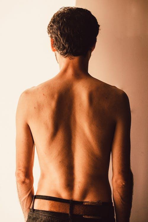 Безкоштовне стокове фото на тему «біцепс, без сорочки, людина, назад»