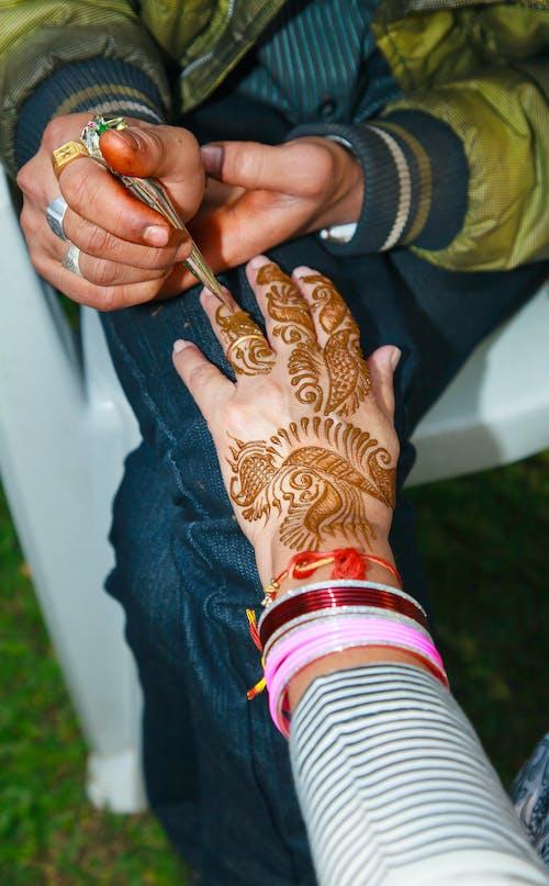 메인디 아티스트, 예술적인, 인도 결혼식의 무료 스톡 사진